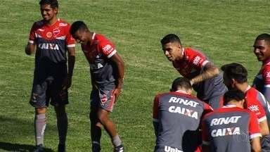 Vila Nova recebe o Figueirense no Serra Dourada nesta terça-feira (14) - Jogo vale decisão na reta final da Série B.
