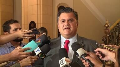 Polícia Civil solicita apoio da PF para prender autor do assassinato de Beatriz - Família da menina morta em Petrolina viajou até o Recife para cobrar transparência na investigação do caso.