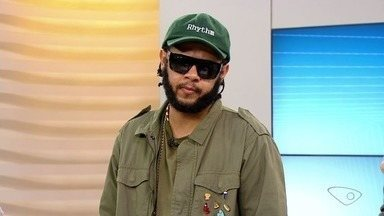 Rappers Rael e Emicida se apresentam no ESTV - Eles foram indicados ao grammy Latino.