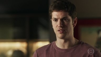 Bruno revela à família que pretende se casar com Raquel - Os pais do rapaz ficam chocados