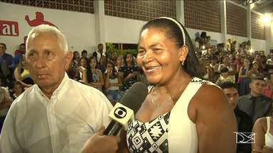 Casamento comunitário em Bela Vista, no Maranhão - Casamento comunitário em Bela Vista, no Maranhão, reuniu 100 casais. Cerimônia foi no ginásio esportivo da cidade.
