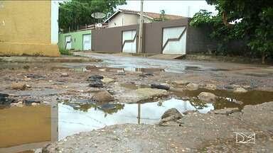 Falta de manutenção em vias públicas em Balsas (MA) causam transtorno - Falta de manutenção em vias públicas em Balsas (MA) causam transtorno. Com a chegada das chuvas, a erosão aumenta.