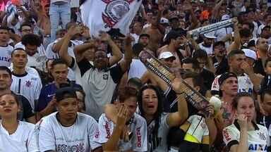 Confira festa dos jogadores e da torcida do Corinthians com o título brasileiro garantido - Confira a festa dos jogadores do Corinthians com o título brasileiro garantido