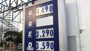 Procon e Secretaria da Fazenda fiscalizam postos de combustíveis em Goiânia - Objetivo da operação é constatar se há abusos nos preços cobrados.