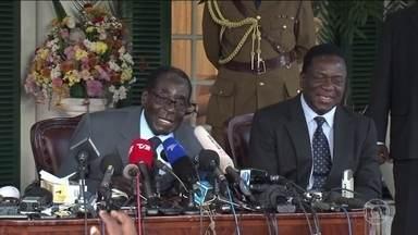 Ministros do governo sul-africano estão no Zimbábue para tentar gerenciar a crise no país - O ditador Robert Mugabe está em prisão domiciliar e líderes militares assumiram o controle. Tanques do exército estão nas ruas de Harare, um dia depois de o exército tomar o controle da TV estatal e pôr o ditador sob custódia.