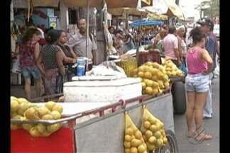 Em Ananindeua, as feiras do Icuí e do Paar são motivo de reclamações - O governo chegou a começar a obra de um novo mercado no Icuí, que deveria ter ficado pronto em junho do ano passado.
