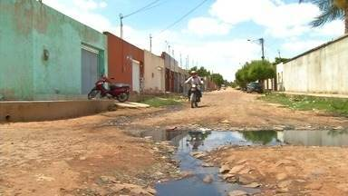 Pesquisa mostra descaso com situação de esgoto a céu aberto na região do Cariri - Saiba mais em g1.com.br/ce