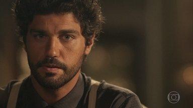 Reinaldo diz a Inácio para não se casar com Lucinda se ele estiver em dúvida - O médico aconselha Inácio a repensar sobre a união e Lucinda escuta a conversa dos dois