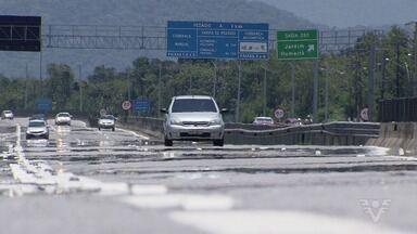 Geraldo Alckmin inaugura terceira faixa na Rodovia Padre Manoel da Nóbrega - Ele e a comitiva com outras autoridades foram questionados sobre alguns problemas da região.