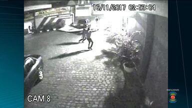 Bandidos arrombam e invadem empresa de ônibus de Campina Grande - Veja as imagens da ação dos bandidos