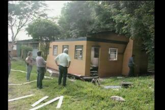 Polícia investiga incêndio criminoso em Três de Maio, RS - O antigo Cigres, que recebia lixo da Região ficou destruído pelo fogo.