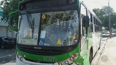 Colisão entre ônibus deixa feridos em Campinas - Acidente ocorreu no distrito de Barão Geraldo, na manhã deste sábado (18).