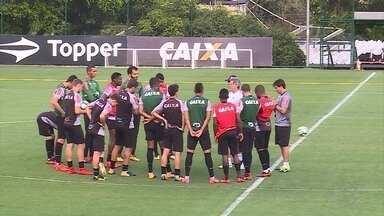 Com Gabriel e Cazares, Atlético-MG encerra preparação precisando vencer o Coritiba - Com Gabriel e Cazares, Atlético-MG encerra preparação precisando vencer o Coritiba