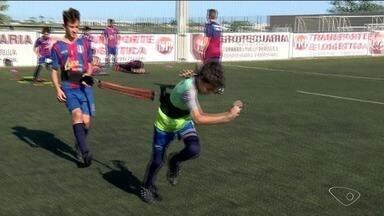 Futebol muda a vida de dois meninos de Linhares, ES - Desde agora, eles estão conseguindo sucesso na carreira.