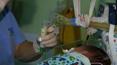 Doação de leite ajuda a salvar vidas de bebês - Màes ajudam outras que não conseguiram ganhar o leite materno durante a gestação.