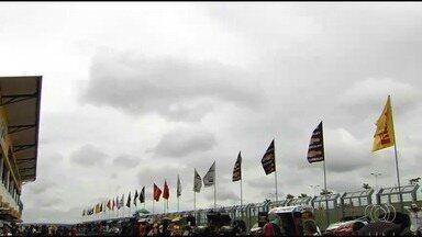 Etapa da Stock Car começa com tempo chuvoso em Goiânia - Pilotos encaram possibilidade de chuva em etapa decisiva para o campeonato.