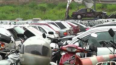 PRF vai leiloar carros apreendidos - O leilão de 1.650 veículos será realizado pela Polícia Rodoviária Federal em Cambé no dia 28 de novembro.