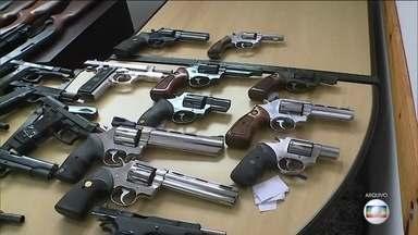 Polícia só reaproveita 195 armas das mais de 135 mil apreendidas este ano - Levantamento foi feito pelo G1. Há quase um ano, os órgãos de segurança pública estão autorizados, por decreto, a usar armas apreendidas.