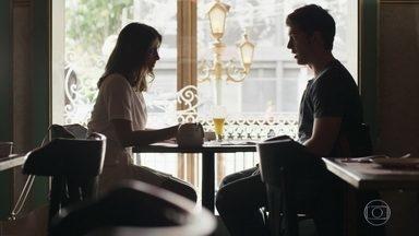 Tônia convida Bruno para tomar um café - Ele se abre e menina recrimina a atitude de Nádia