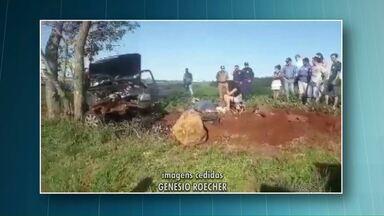 Uma pessoa morre em acidente na PR-180 - O carro onde ela estava bateu em um poste.