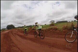 Com vários atletas da região, prova de mountain bike percorre zona rural de Ituiutaba - Percurso de 60 km da 2ª edição foi finalizado neste domingo