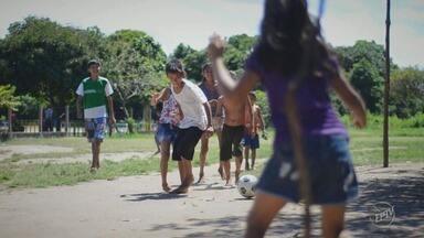 Série da EPTV visita comunidade ribeirinha no interior do Pará - Primeira reportagem de Caio Maciel e Carlos Velardi mostra pessoas que encontraram no futebol uma forma de superar a pobreza.