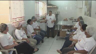 Aprenda a preparar delícias de Natal de uma maneira fácil - Em Itanhaém, o Fundo Social de Solidariedade está com inscrições abertas para os cursos do pólo da Padaria Artesanal.