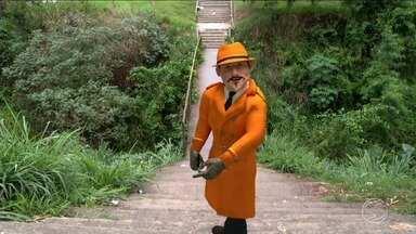Zé do Bairro visita o Jardim Beira Rio, em Resende, RJ - Moradores reclamam da estrutura precária de uma ponte.