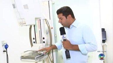 Santa Casa de Sorocaba ainda não retomou os exames de mamografia - A Santa Casa de Sorocaba (SP) ainda não retomou os exames de mamografia. Um novo mamógrafo foi doado para o hospital e o que estava quebrado foi consertado. O Daniel Schafer está na Santa Casa e ao vivo tem as informações.