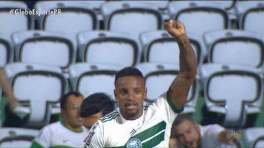 """No estilo """"motivante total"""", Cléber Reis anima o Coritiba - Zagueiro está de volta à equipe no jogo deste domingo (26) contra o São Paulo, no Couto Pereira"""