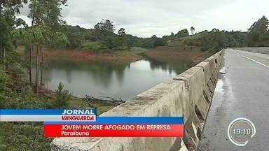 Polícia investiga morte de jovem na represa de Paraibuna - Ele foi resgatar uma mulher e acabou se afogando.