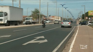 Falta de sinalização na MA-203 confunde motoristas - Um trecho da Estrada foi reformado recentemente, mas semáforos instalados há dois meses não funcionam.