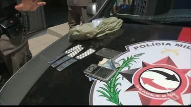 JPB2JP: 3 adultos e 1 adolescente foram detidos acusados de tráfico em João Pessoa - Operação policial nos Novais.