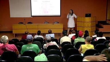 Novembro Azul: homens recebem orientações sobre saúde em Colatina, ES - Ação faz parte da campanha Novembro Azul na cidade.