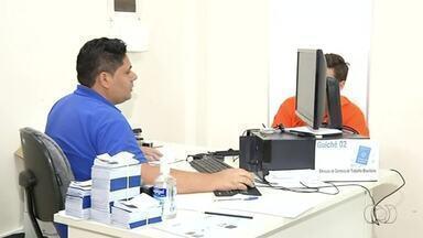 Moradores enfrentam dificuldades para fazer carteira de trabalho em Araguaína - Moradores enfrentam dificuldades para fazer carteira de trabalho em Araguaína