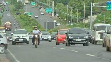 Motoristas deixam de fazer corridas particulares para evitar assaltos - Motoristas deixam de fazer corridas particulares para evitar assaltos.
