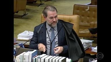 Maioria do STF aprova restringir foro privilegiado, mas Toffoli adia decisão - Ministro Dias Toffoli pediu mais tempo para analisar o processo.