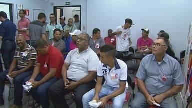 Hemocentro de Ribeirão Preto tem fila de doadores neste sábado (25) - Semana Nacional da Doação de Sangue termina neste domingo (26).