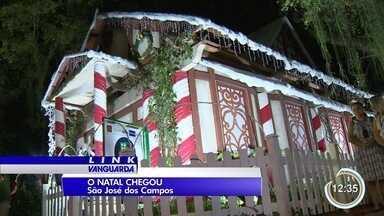 Centro de São José recebe casa do Papai Noel - Clima de Natal marca decoração na Praça do Sapo.