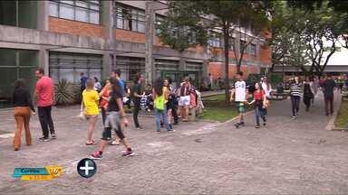 Mais de 13 mil estudantes fizeram as provas da segunda fase da UFPR - Hoje (27) tem mais prova.