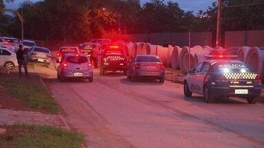 Policial civil aposentado leva dois tiros dentro da chácara dele - A chácara fica na Colônia Agrícola Águas Claras e está internado no Hospital de Base. A polícia ainda não tem suspeitos do crime.
