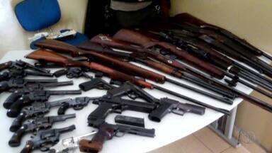 Armas e munições ilegais são apreendidas em fazenda de Alvorada - Armas e munições ilegais são apreendidas em fazenda de Alvorada