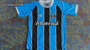 Por pedido da FIFA, Grêmio terá uniforme com menos patrocínios - Apenas as marcas do patrocinador master e do fornecedor de material podem ser exibidos na parte forntal da camisa.