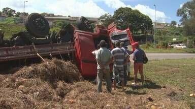 Dois acidentes deixam 12 pessoas feridas neste final de semana no Sul de Minas - Dois acidentes deixam 12 pessoas feridas neste final de semana no Sul de Minas