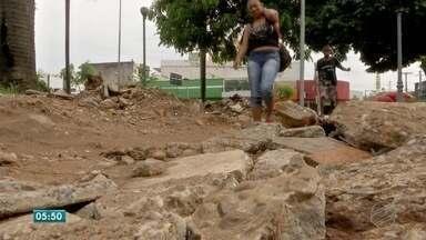 População reclama de bagunça em obras da praça Ipiranga - População reclama de bagunça em obras da praça Ipiranga
