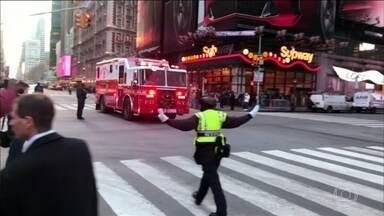 Explosão em estação rodoviária deixa Nova York em pânico - A estação precisou ser esvaziada. Houve correria e uma pessoa foi presa. Nenhum passageiro ficou ferido, mas polícia ainda não deu novas informações.