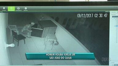 Polícia procura ladrão que roubou igreja em São João do Caiuá - Ele arrombou a igreja no sábado e fugiu levando um notebook.