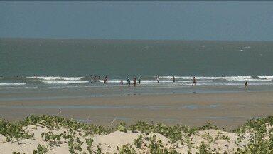 Laudo de balneabilidade das praias de São Luís preocupam banhistas durante as férias - Laudo divulgado pela Secretaria de Meio Ambiente afirma que 4 dos 21 pontos monitorados na orla estão impróprios.