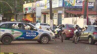 Homem armado invade e assalta correspondente bancário no centro comercial de Macapá - Crime aconteceu na tarde desta segunda-feira (11). Assaltante conseguiu fugir do local. Polícia busca identificar suspeito.