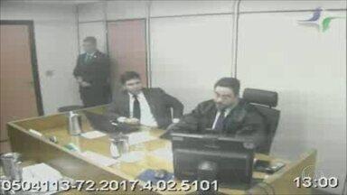Luiz Carlos Veloso afirma ter recebido propina de empreiteiras em delação premiada - Luiz Carlos Veloso, ex-assessor da secretaria estadual de transportes, afirma ter recebido propina de empreiteiras em delação premiada.